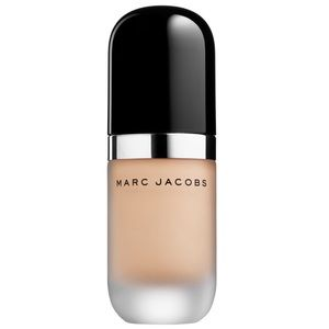 Marc Jacobs remarkable in the shade bisque neutral